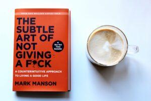 review sách nghệ thuật tinh tế của việc đếch quan tâm - Mark Manson